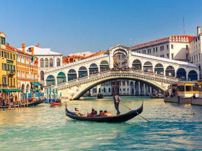 Bus rental Venice Italy
